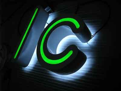 lettere luminose in acciaio