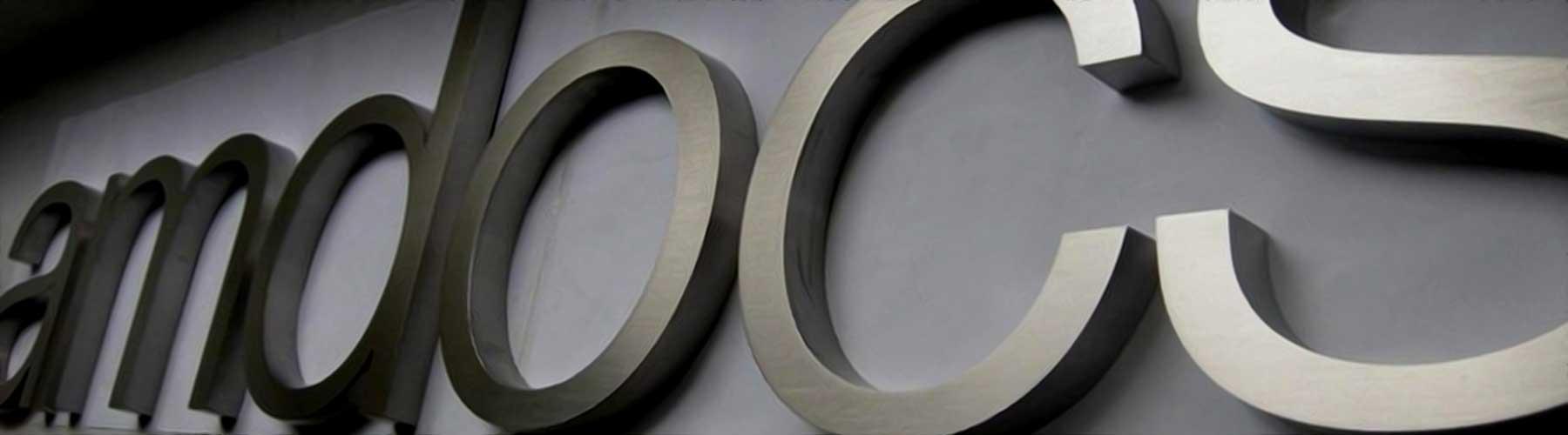 lettere-in-acciaio-retroilluminate
