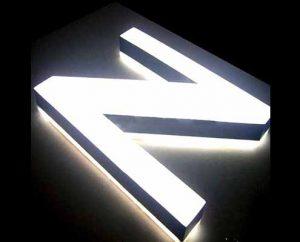Lettere in cristallo luminoso